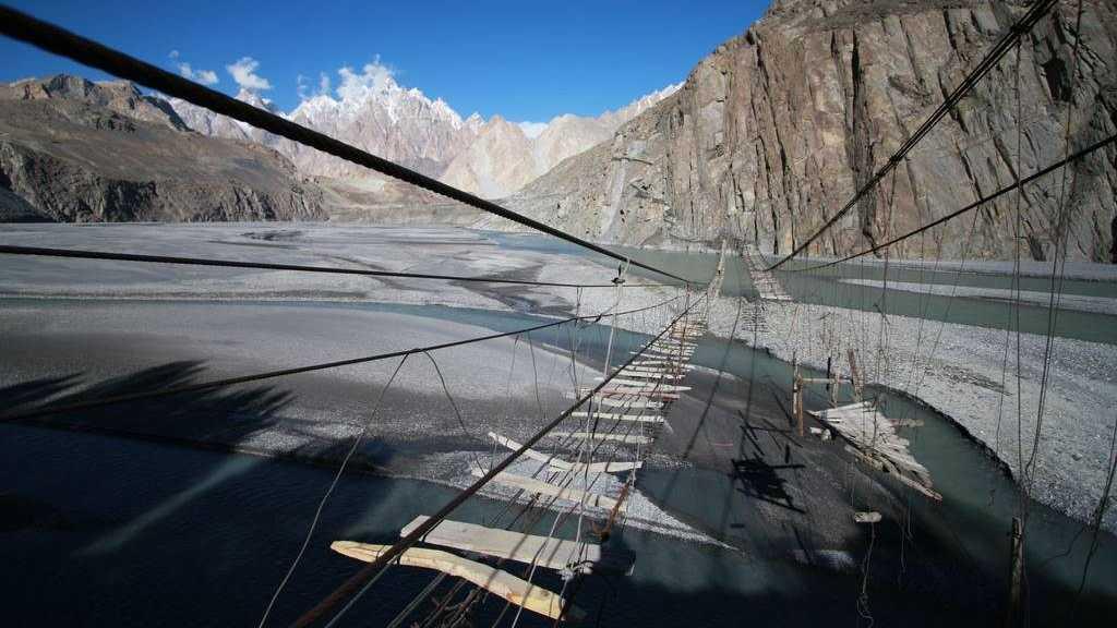 jembatan berbahaya di dunia